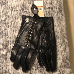 NWT Michael Kors Leather Tech gloves